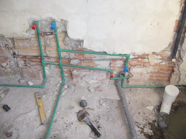 Rifare il bagno a roma e provincia preventivo e - Impianto idraulico bagno schema ...